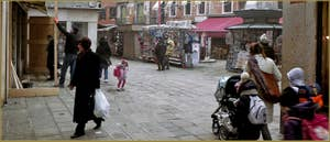 Campo Santi Filippo e Giacomo, dans le Sestier du Castello à Venise.