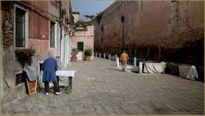 La petite vie tranquille du Campo de le Gorne, dans le Sestier du Castello à Venise.