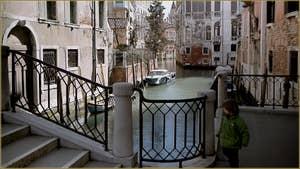 Le rio di Sant' Agostin vu depuis le pont Donà, dans le Sestier de San Polo à Venise.