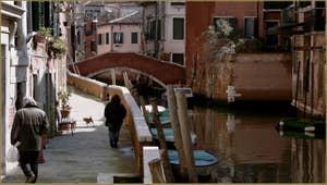 Le pont et la Fondamenta Sant' Andrea, dans le Sestier du Cannaregio à Venise.