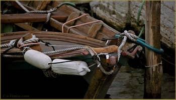 Proue d'une Sanpierota, sur le rio de la Sensa, dans le Sestier du Cannaregio à Venise.