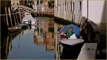 Le rio de l'Anzolo Rafael, au fond, le pont del Soccorso, dans le Sestier du Dorsoduro à Venise.