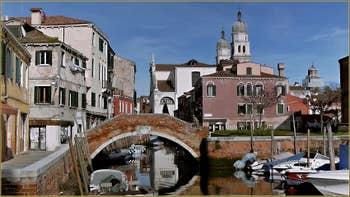 Le pont de la Piova et l'église de l'Anzolo Rafael, dans le Sestier du Dorsoduro à Venise.
