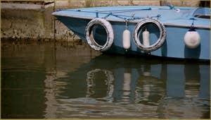 Reflets sur le rio de la Madalena, dans le Sestier du Cannaregio à Venise