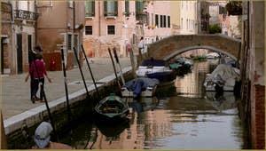 La Fondamenta Moro et le pont Zancani, dans le Sestier du Cannaregio à Venise.