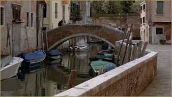 Le rio del Trapolin et le pont Zancani, dans le Sestier du Cannaregio à Venise.