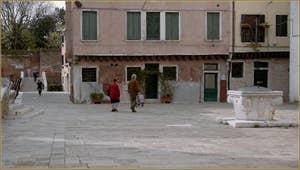 Le Campo San Marziale et son puits, dans le Sestier du Cannaregio à Venise.