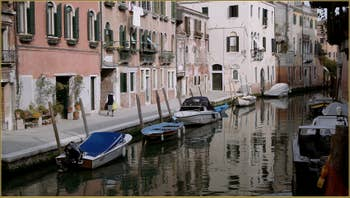Le rio de la Sensa et la Fondamenta dei Mori, dans le Sestier du Cannaregio à Venise.