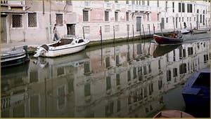 Le rio de la Madona de l'Orto et la Fondamenta Gasparo Contarini, dans le Sestier du Cannaregio à Venise.