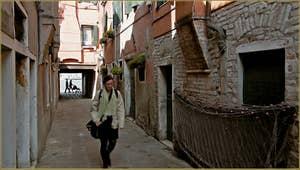 Filets de pêche en train de sécher, calle dei Nicoli, sur l'île de la Giudecca à Venise.