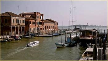 Le rio del Ponto Longo sur l'île de la Giudecca, au fond, la lagune Sud de Venise.