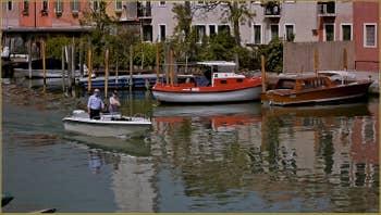 Les reflets sur le Canal de San Pietro du Castello à Venise.