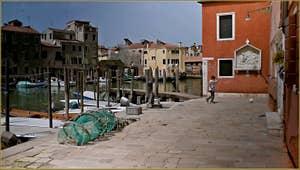 La Fondamenta de Quintavalle, sur l'île de San Pietro, dans le Sestier du Castello à Venise.