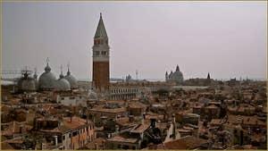 Vus du ciel : La basilique et le Campanile de Saint-Marc à Venise.