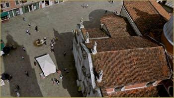 Le Campo Santa Maria Formosa vu depuis son Campanile, dans le Sestier du Castello à Venise.