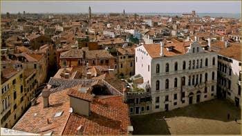 Les Sestieri du Castello et du Cannaregio, vus depuis le Campanile de Santa Maria Formosa à Venise.
