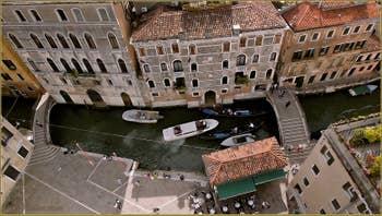 La Fondamenta Santa Maria Formosa vue depuis son Campanile, dans le Sestier du Castello à Venise.