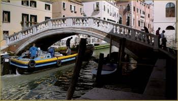 Le pont et le rio de San Lorenzo, dans le Sestier du Castello à Venise.