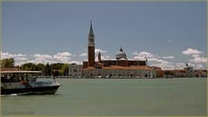 L'île de San Giorgio Maggiore à Venise, avec son église et son campanile.