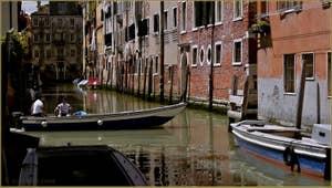Le rio de l'Acquadolce, dans le Sestier du Cannaregio à Venise.