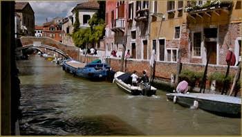 Le rio de Santa Caterina, le long de la Fondamenta Zen, dans le Sestier du Cannaregio à Venise.