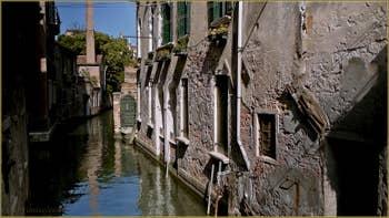 Le rio de la Toletta, dans le Sestier du Dorsoduro à Venise.