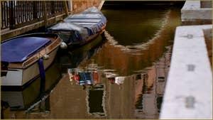 Reflets sur le rio della Toletta, dans le Sestier du Dorsoduro à Venise.