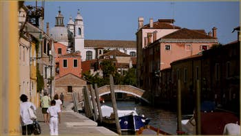 La Fondamenta Bonlini et le pont de la Scoazzera, sur le rio dei Ognissanti, dans le Sestier du Dorsoduro à Venise.