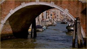 Le pont dei Tre Archi, sur le Canal de Cannaregio à Venise.