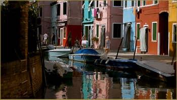 Le rio et la Fondamenta di Terranova sur l'île de Burano à Venise.