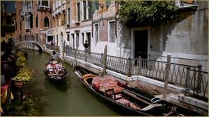 Le rio de San Provolo avec, au fond, le pont del Diavolo, dans le Sestier du Castello à Venise.