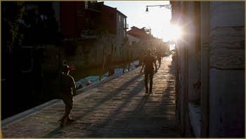 Soleil couchant Fondamenta de la Madona de l'Orto, dans le Sestier du Cannaregio à Venise.