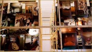 """Exposition de photographies d'Angel Marcos """"The Intimate Sub-version (entrée gratuite) qui se tient dans la Scuola di San Pasquale Baylon, sur le campo de la Confraternita, dans le Sestier du Castello à Venise."""