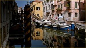 La Fondamenta Priuli, le long du rio Priuli o de Santa Sofia, dans le Sestier du Cannaregio à Venise.