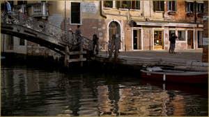 Le pont et le Campo de Gheto (ou Ghetto) Novo, dans le Sestier du Cannaregio à Venise.