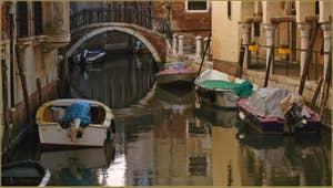 Le rio de la Madalena, le long du Sotoportego de le Colonete, dans le Sestier du Cannaregio à Venise.
