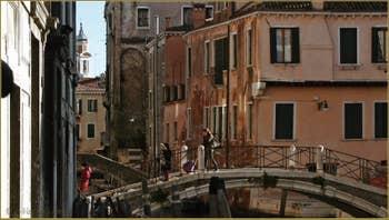 Le pont Santa Fosca, dans le Sestier du Cannaregio à Venise.
