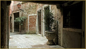 La Calle Corner, dans le Sestier du Cannaregio à Venise.