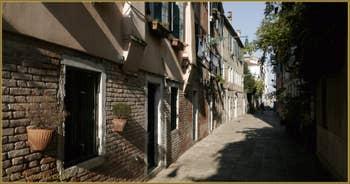 Le Rio Tera' dei Biri o del Parsemolo, dans le Sestier du Cannaregio à Venise