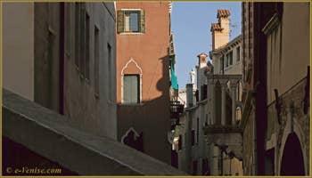 Le balcon du Palazzo Bragadin Carabba