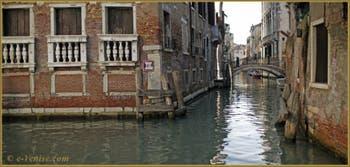 Le rio et le pont de la Tetta, dans le Sestier du Castello à Venise.