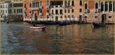 Les reflets sang et or du Grand Canal de Venise