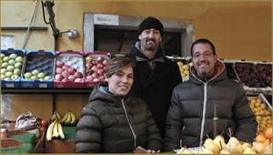 Le marchand de fruits et légumes de Barba Frutarol, dans le Sestier du Cannaregio à Venise.