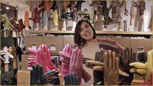Onora, gants Fanny, dans le Sestier de San Polo à Venise.