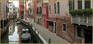 La Fondamenta dei Sartori, le long du rio de Sant'Andrea o dei Gozzi, dans le Sestier du Cannaregio à Venise.