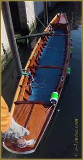 Notre Sandolo de Régate de 9 mètres de long.