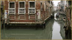 Le Palazzo, le rio et le pont de la Tetta, dans le Sestier du Castello à Venise.