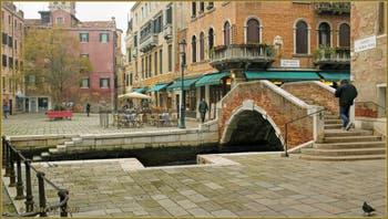 Le Campo et le pont de Santa Maria Nova, dans le Sestier du Cannaregio à Venise.