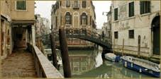 La Fondamenta dei Felzi, le long du rio del Paradiso Pestrin, au fond, le pont dei Consafelzi ou Pinelli.