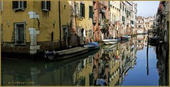 Le rio de l'Acqua Dolce, dans le Sestier du Cannaregio à Venise.